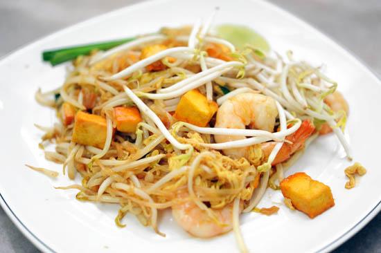 Diandin Leluk Thai Restaurant Pad Thai