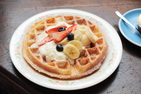 Waffle with yogurt