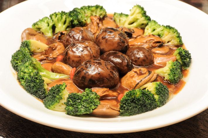 Braised Whole Abalone with Broccoli