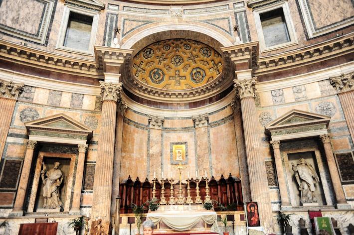 Inside of Pantheon