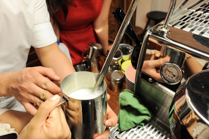 Steam & Texture Milk