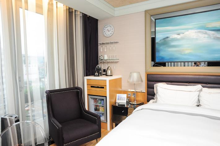 Hotel Eclat room