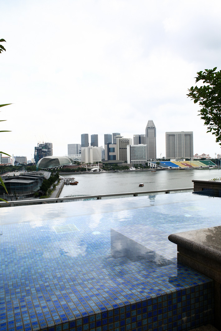 Fullerton Bay Swimming Pool
