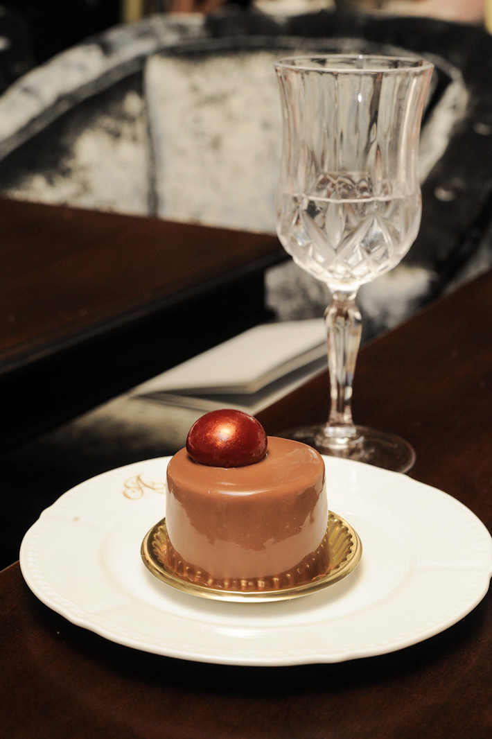 Antoinette Earl Grey Chocolate