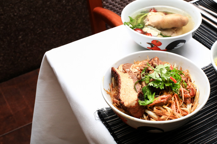 Braised Pig's Trotters Vermicelli