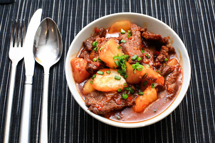 Stir-fried Beef with Pineapple
