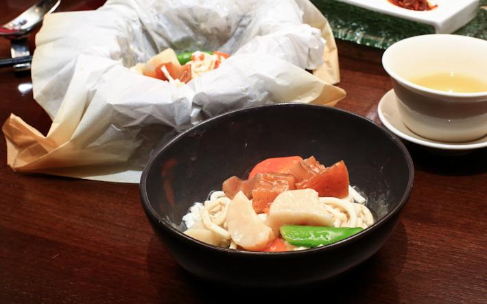 Wok-fried fish noodles