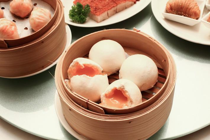 Xin Cuisine Custard Buns