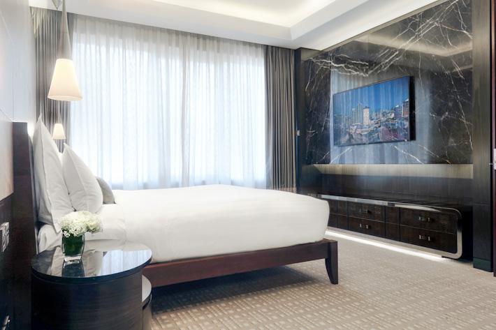 Singapore Marriott Tang Plaza Hotel - Tang Un Tien Suite - Bedroom