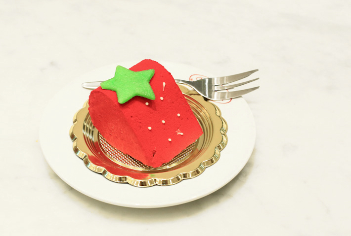 Brunetti Strawberry Cake