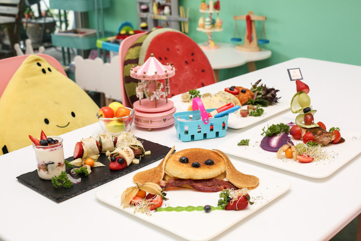 Fresh Fruits Lab Kids Friendly Cafe
