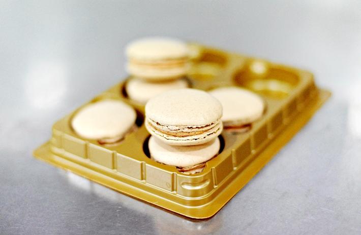 Speculoos Macarons Macaron.sg