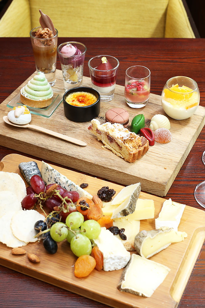 Cheese and Desserts - Hilton Singapore