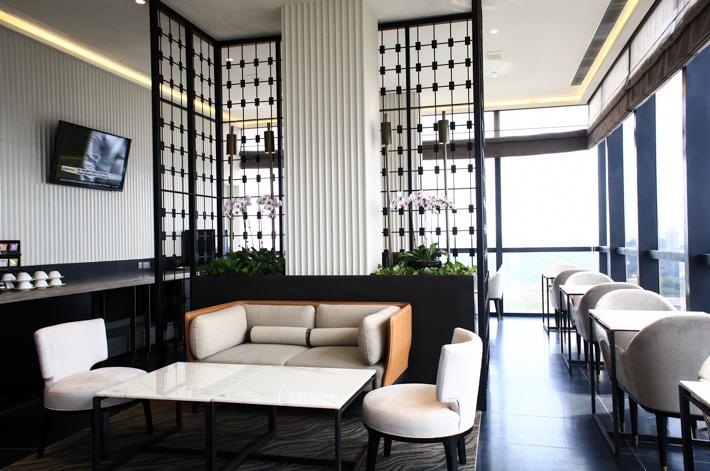 Park Hotel Alexandra Club Lounge