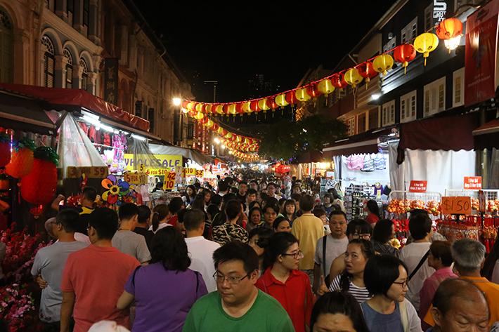 CNY Crowd Pagoda St