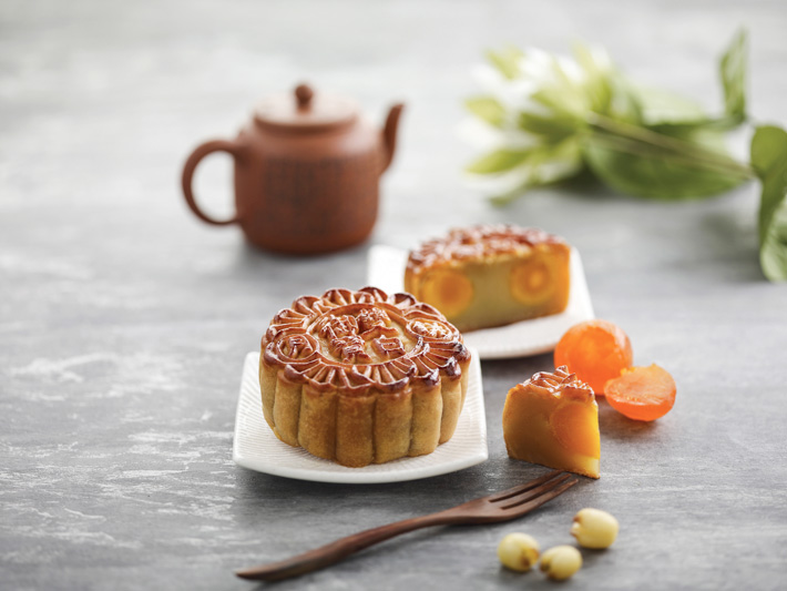 Imperial Treasure White Lotus Paste Mooncake