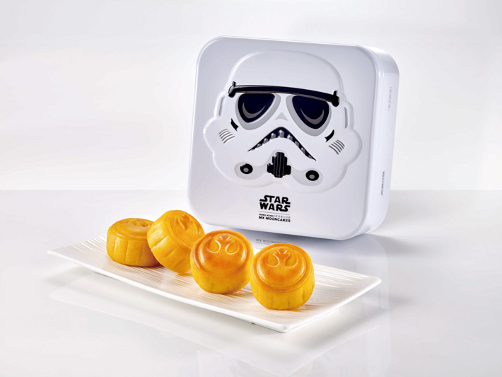 Meixin Star Wars Custard Mooncake