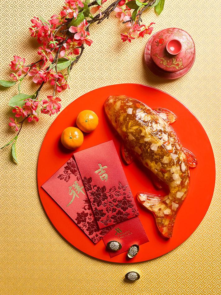 Wan Hao - Koi Fish Shape Osmanthus Chestnut Cake