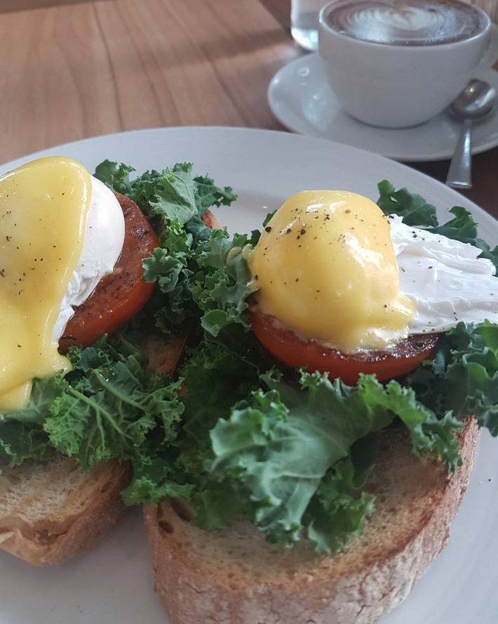Kith Cafe Eggs Benedict