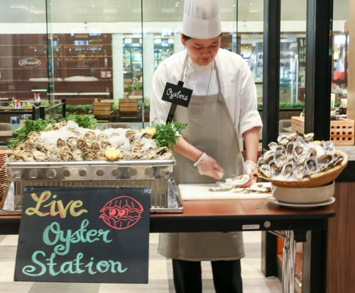 J65 Fresh Oysters