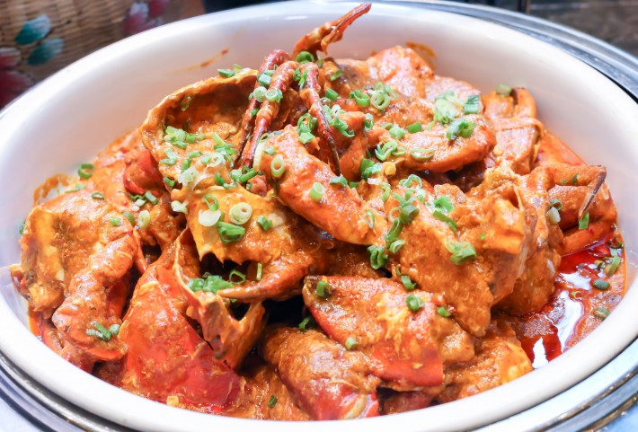 J65 International Buffet Chilli Crab