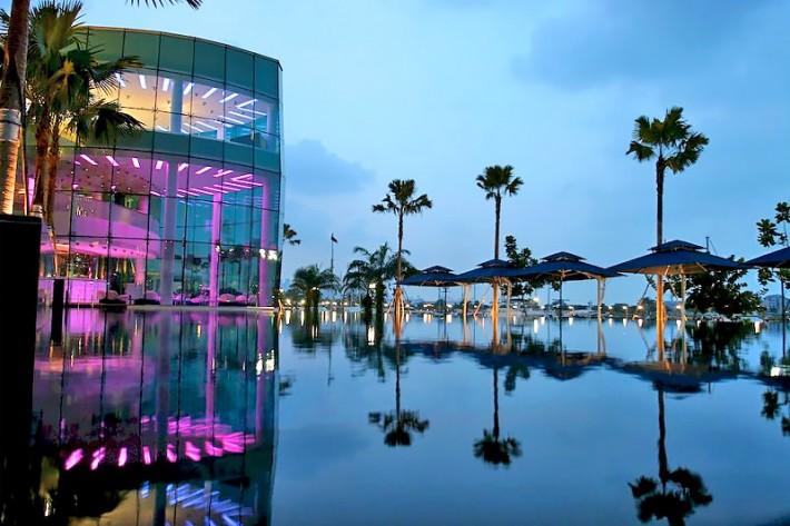 One15 Marina Club Swimming Pool