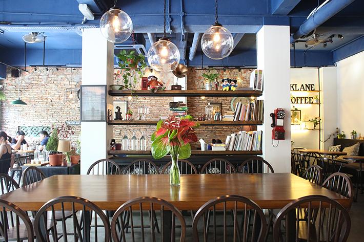 Backlane Coffee Interior