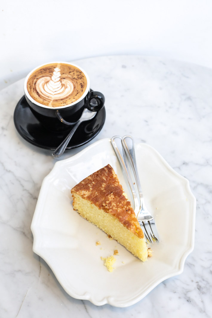 Kim Soo Lemon Pound Cake