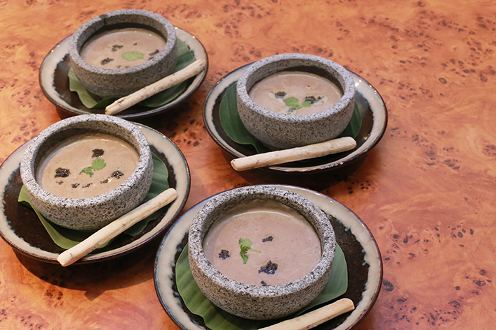 Lingzhi Mushroom Bisque with Truffle