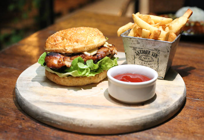 SHINISE Chicken Burger