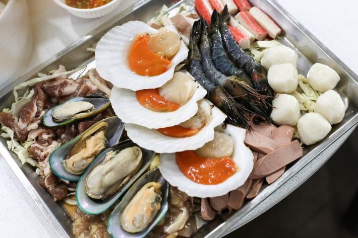 888 Mookata Platter For Four Ingredients