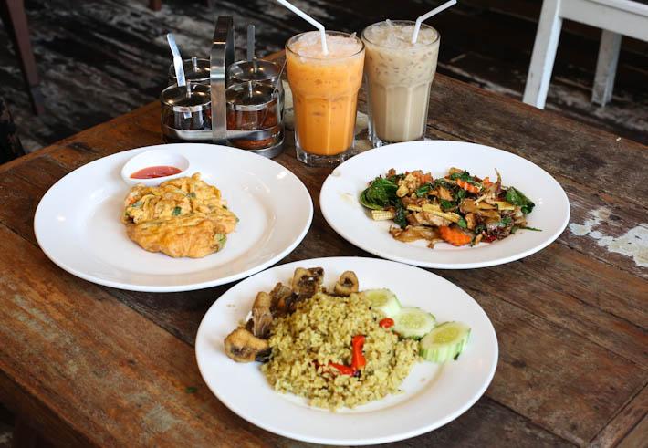 Khao Jao Food