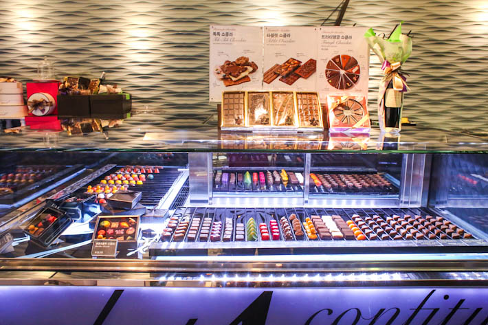 Passion 5 Chocolate Counter