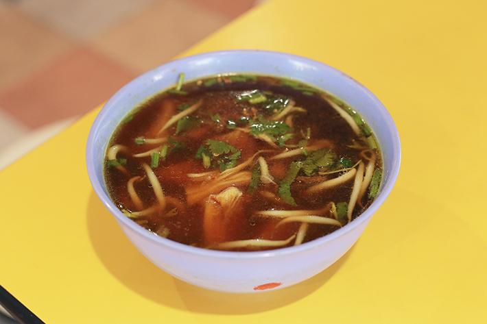 Ros Muslim Food Stall Soto Ayam
