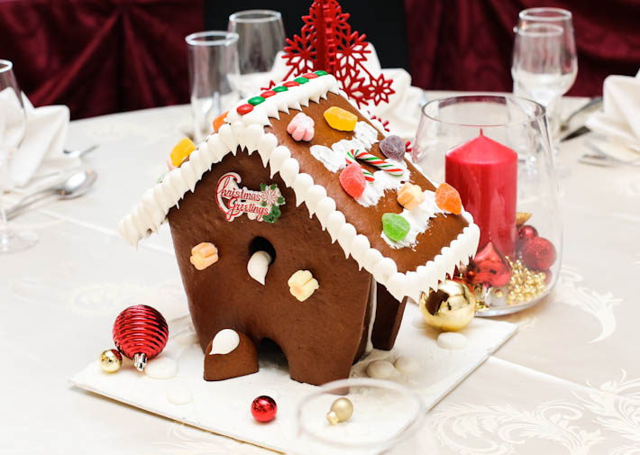 Royale Gingerbread House