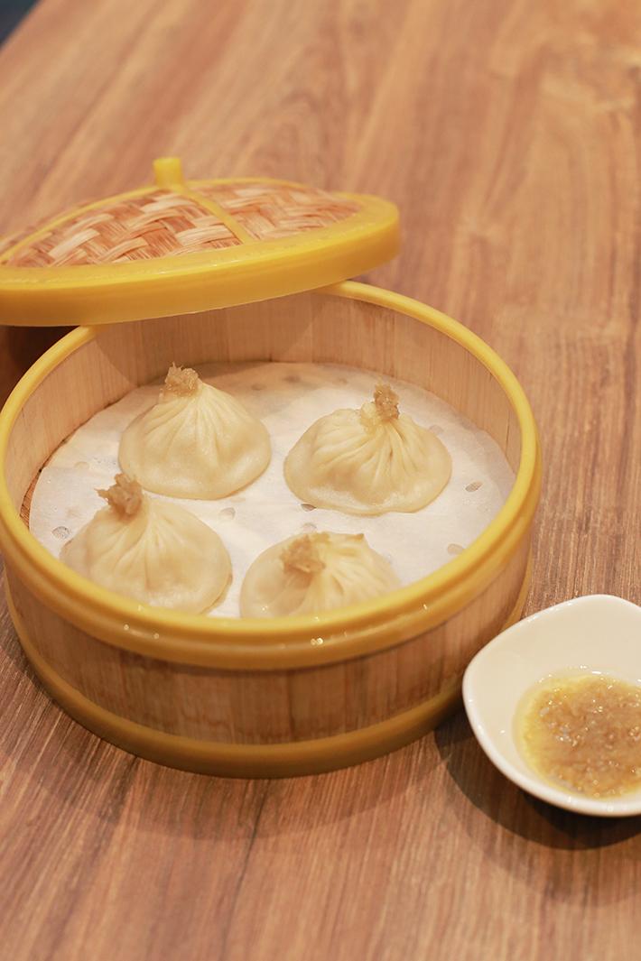 Crystal Jade La Mian Xiao Long Bao Hainanese Chicken Xiao Long Bao