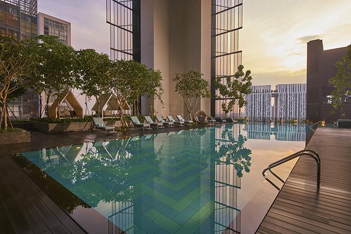 Oasia Hotel Downtown, Singapore - Infinity Pool