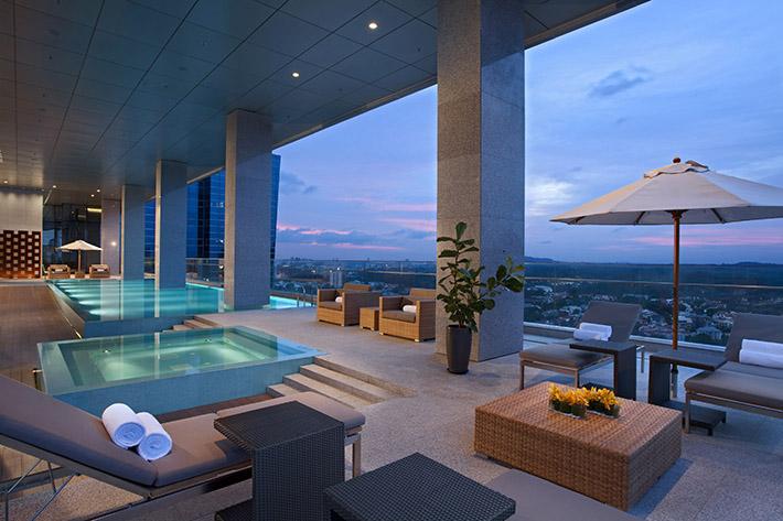 Oasia Hotel Novena_Club Lounge Pool