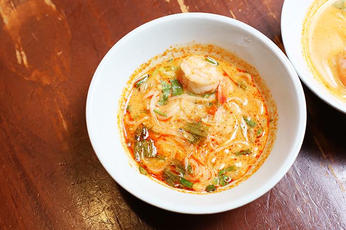 Amphawa Tom Yam Prawn Boat Noodle