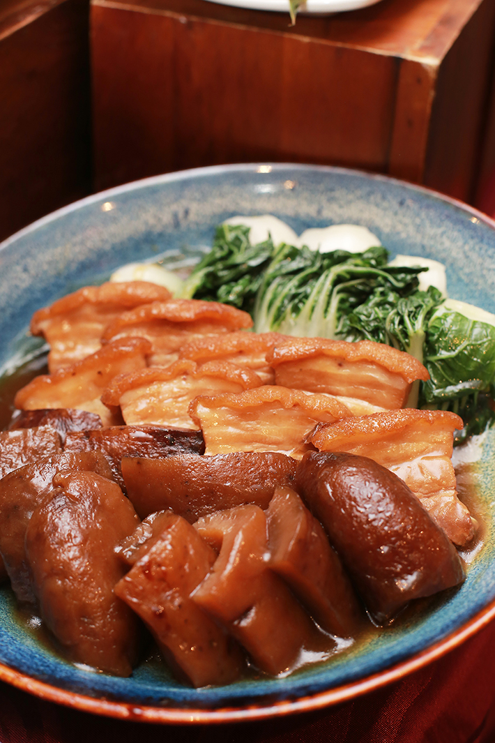 Ginger Braised Sea Cucumber