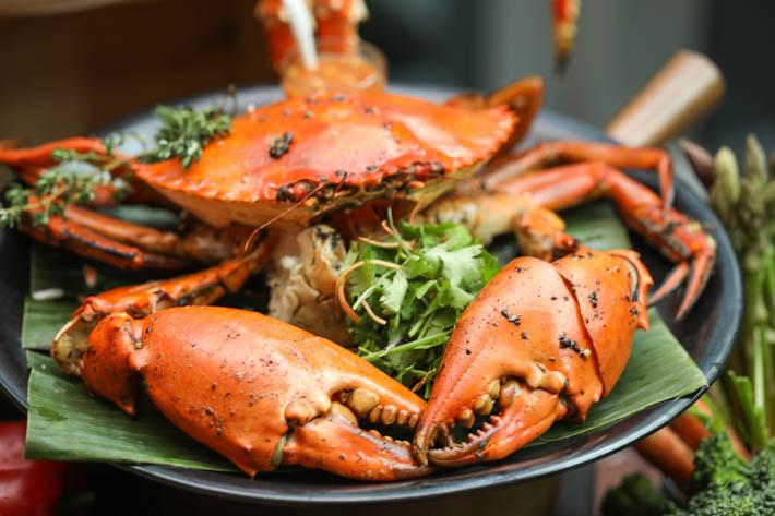 10 At Claymore Black Pepper Crab