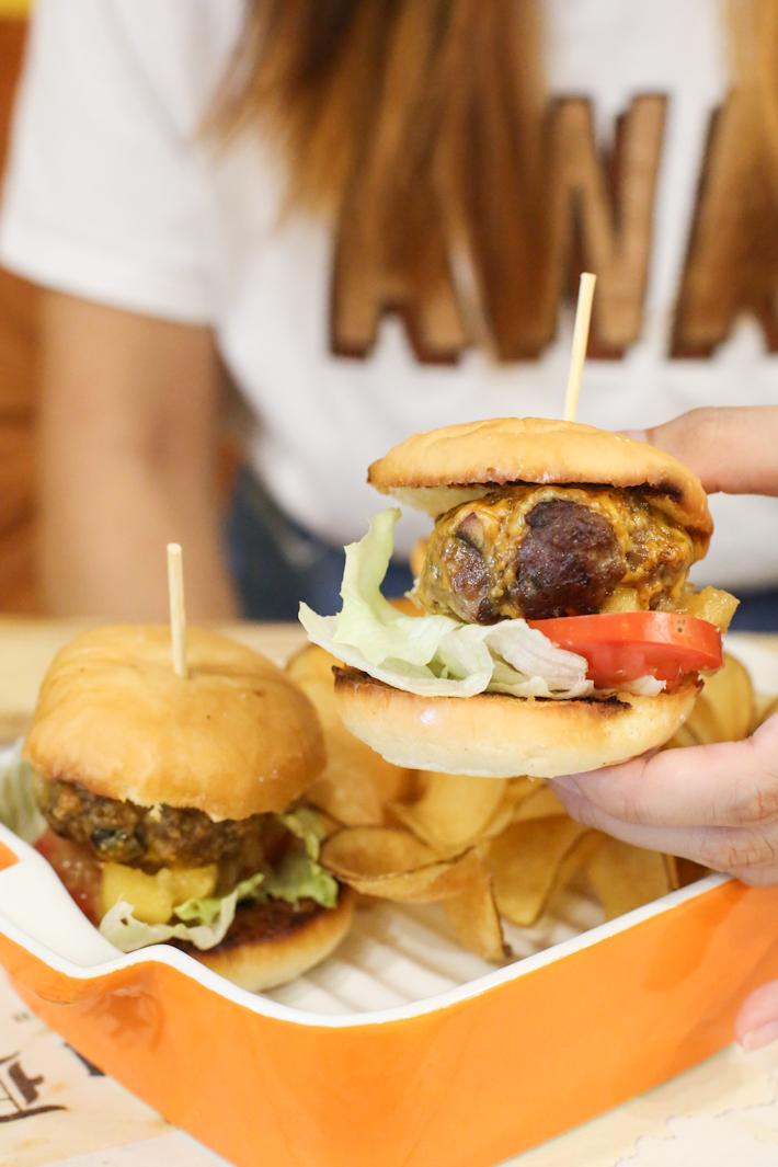 Scissors Paper Stove Beef Burger