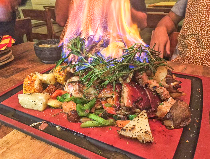 FYR Cycene Ond Drinc Meat Platter