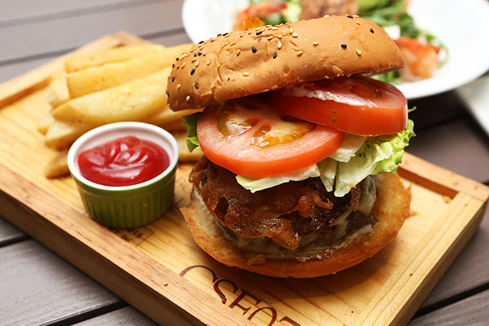 Two Chefs Bar Burger