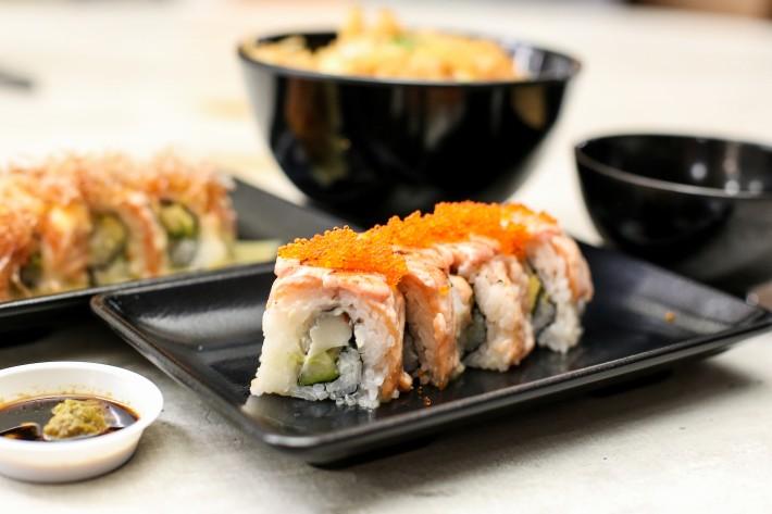 Donya-Japanese-Cuisine-Mentai-Maki-e1500013505681