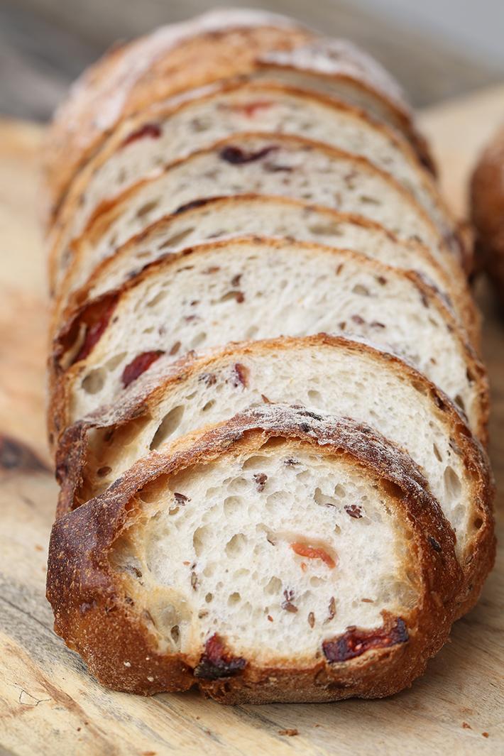 Enjoué Bakery Cranberry Flaxseed Bread