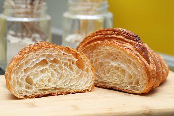 Enjoué Bakery Croissant Cross Section