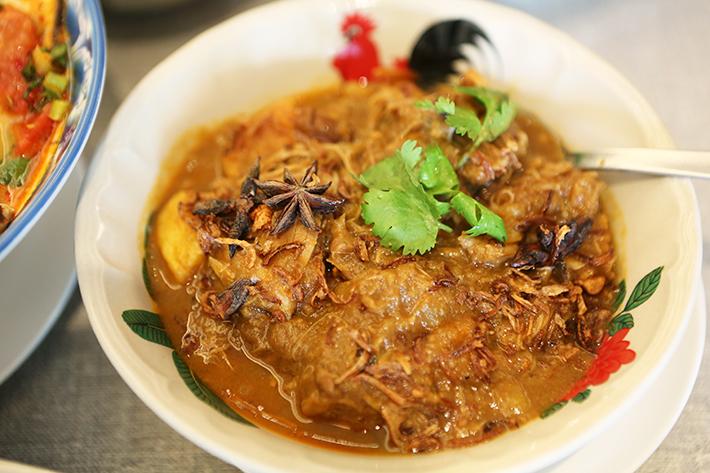 Un Yang Kor Dai Massaman Curry