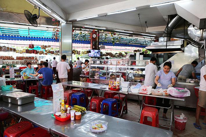 Nhu Lan Bakery Interior