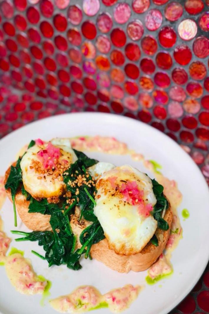 Symmetry Cafe Eggs Benedict